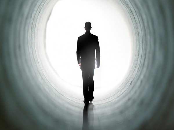 Nằm mơ thấy nói chuyện với người đã chết có ý nghĩa gì